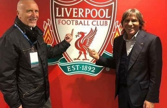 Roma legends Bruno Conti and Roberto Pruzzo forced to apologise after sticking middle finger up at Liverpool club crest