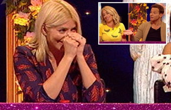 Holly Willoughby left cringing after Stacey Solomon reveals Joe Swash wees in the bath when they're in it