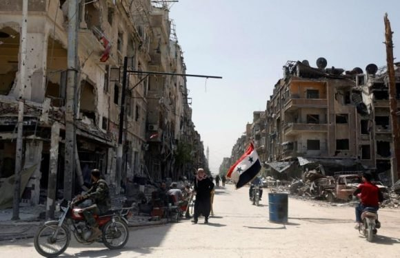 Syrian army, Islamic State wage fierce battle in south Damascus