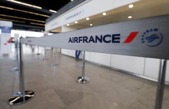 France's CFDT union urges Air France staff to accept pay offer