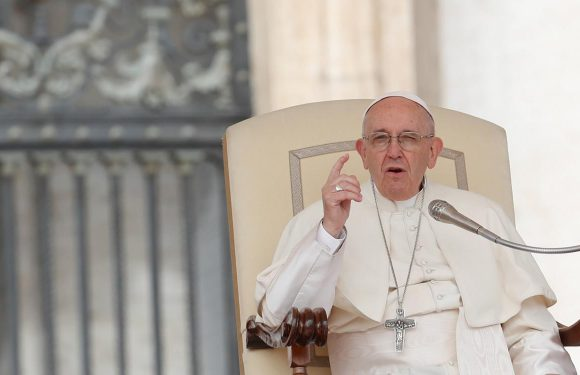 Pope deeply disturbed by lack of efforts to bring peace to Syria