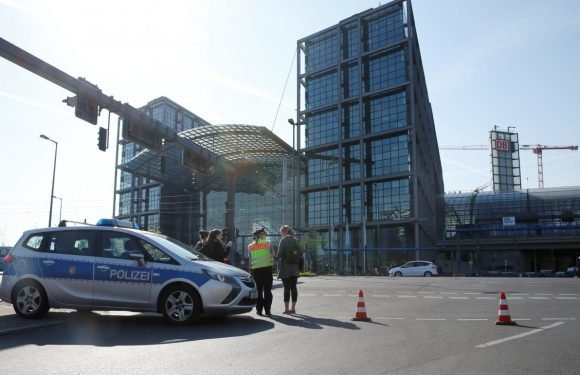 Police evacuate central Berlin to defuse WW2 bomb, disrupting…