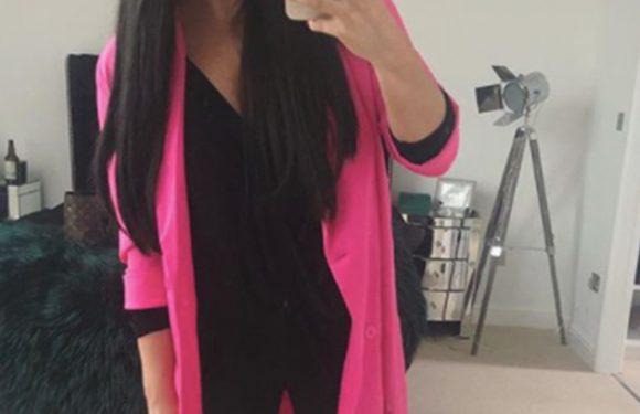 Scarlett Moffatt denies editing photos: 'This is me!'