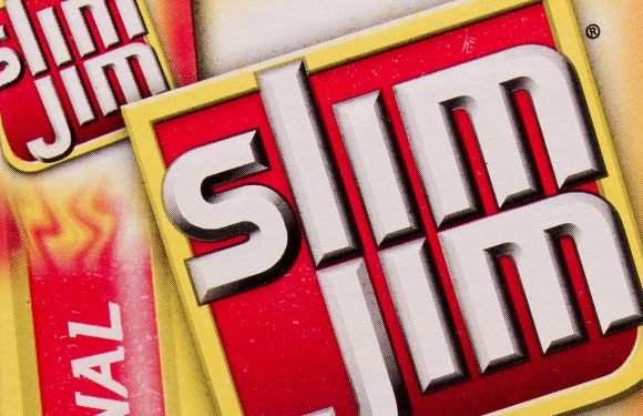 Gas station owner shoots customer over $2 Slim Jim: cops