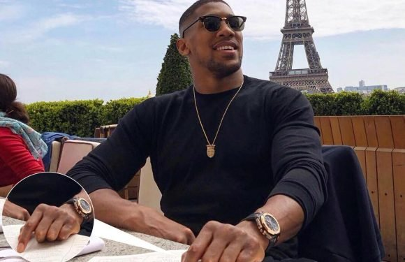 Anthony Joshua relaxes in Paris after Joseph Parker win… but what's he ordering off the menu?