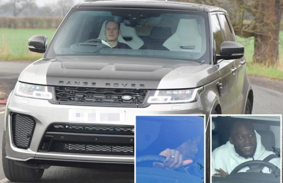 Manchester United star Phil Jones arrives at training in new £170,000 Range Rover as Paul Pogba's agent 'holds talks with PSG'