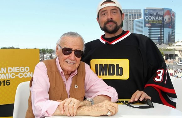 Kevin Smith invites Stan Lee to live with him after reports of elder abuse