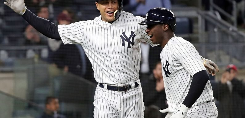 Yankees pounce on Derek Jeter's Marlins from all sides
