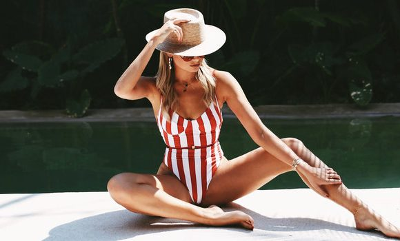 The One Trick That Makes This Blogger Look Flawless In Every Bikini 'Gram