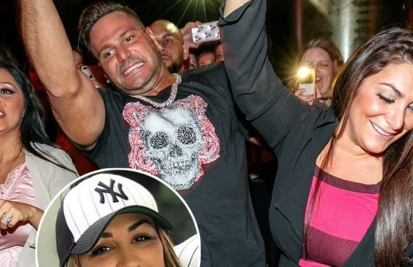 'Jersey Shore' Tea-Shirt Time: Ronnie Finds Out About Incriminating Instagram Videos Right Before Jen Harley's Visit
