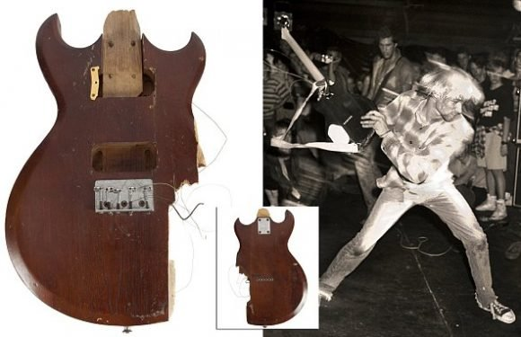Guitar smashed by Kurt Cobain in 1990 being auctioned off for $60,000