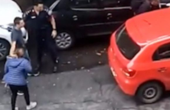 Police officers mistake an off-duty colleague for a carjacker