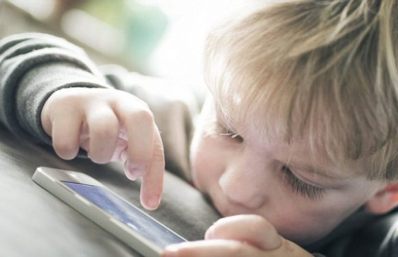 Depriving children of the internet is 'child abuse', claims professor
