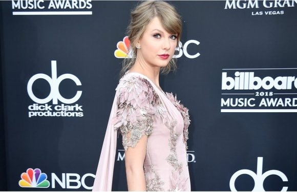 Taylor Swift Makes Her First Red Carpet Appearance in 2 Years at the BBMAs