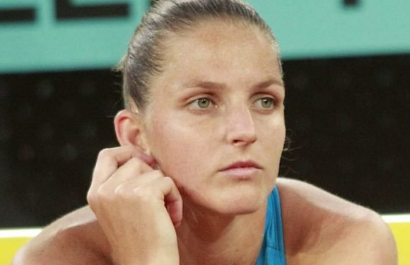 Former No. 1 Pliskova bashes umpire's chair with racquet after loss
