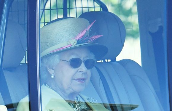 Queen leaves Windsor Castle for church after Harry and Meghan Markle's wedding