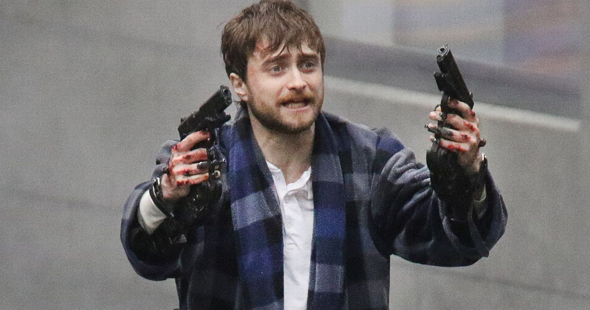Daniel Radcliffe gets trigger happy on the set of new ...