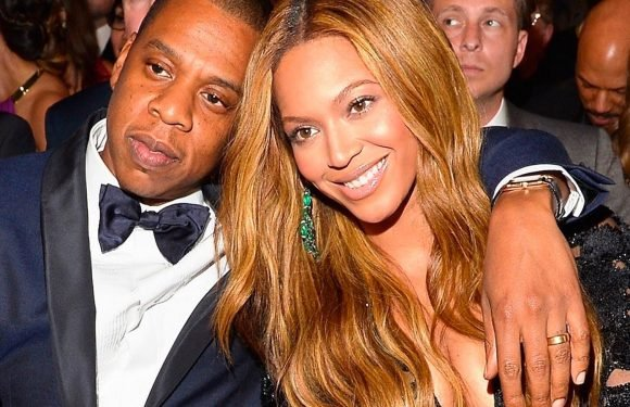 Beyoncé Loses It On Woman Who Touched Jay-Z