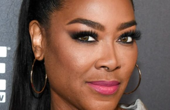 'RHOA' Fans Don't Believe Kenya Moore Is Pregnant After She Deletes Baby Bump Photo