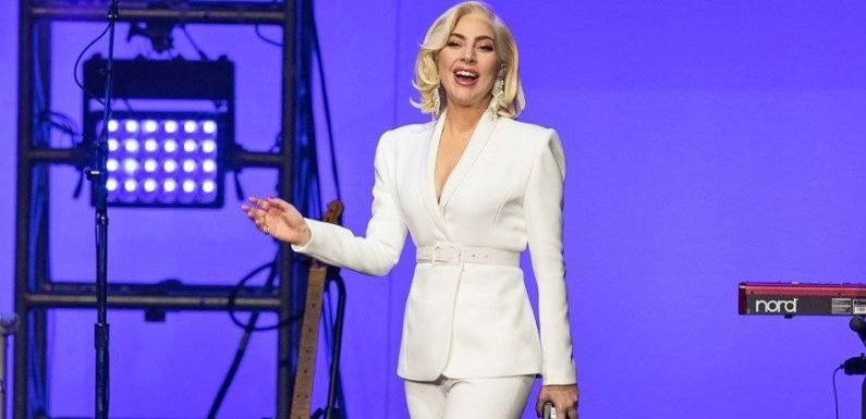 Lady Gaga Shows Off Yoga-Toned Legs, Weight Loss During Surprise Concert