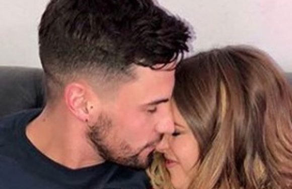 Caroline Flack's friends 'unimpressed by fame-hungry Andrew Brady's proposal'