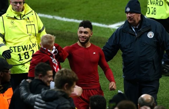 Oxlade-Chamberlain reduces Liverpool fan to tears with 'unbelievable gesture'
