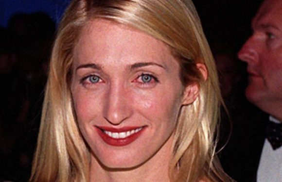 Carolyn Bessette Kennedy could be the inspiration behind Meghan's wedding dress