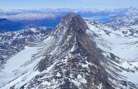 Operation IceBridge: NASA Releases New Photo From Mission's Spring Survey