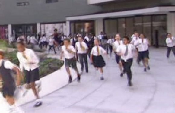 Kid gets trampled during run on This Morning after hosts tell them to watch out
