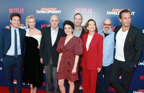 'Arrested Development' Star Jessica Walter Confirms 'Through Tears' That Jeffrey Tambor 'Verbally' Harassed Her on Set