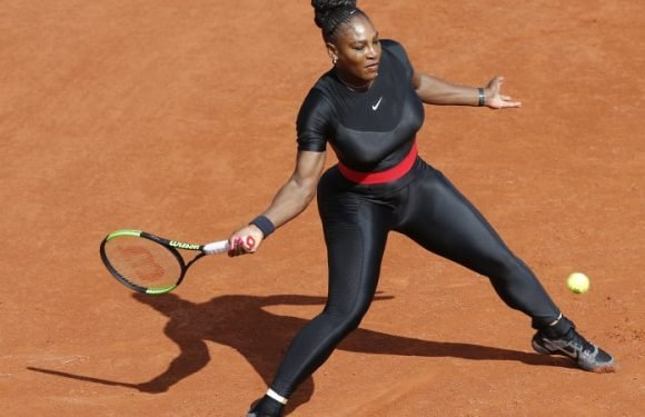 Serena back in the groove, wins easily in 'warrior princess' outfit