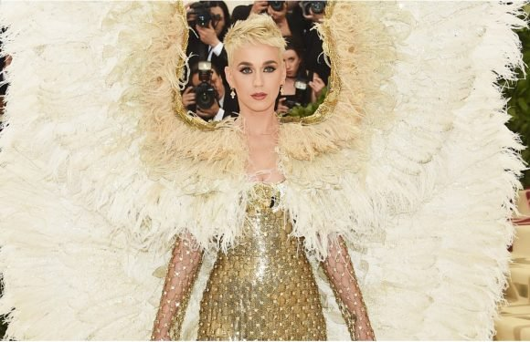 Katy Perry Shows Up to the Met Gala Looking Like an Angel Fallen From Above