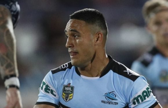 Sharks go back to where they started with Holmes at No. 1