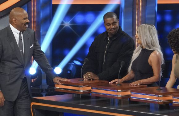 Kanye West and Kim Kardashian Face Off Against the Rest of the Kardashians on 'Celebrity Family Feud'