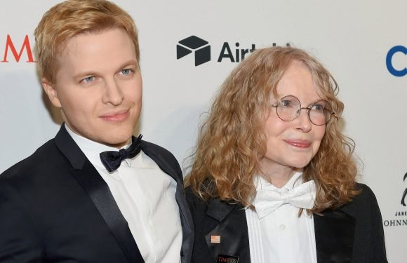 Ronan Farrow responds to brother's essay on Mia's alleged abuse