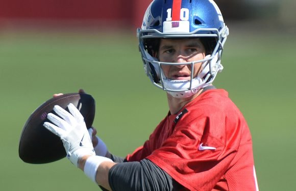 Eli Manning feared the worst until full Giants shakeup