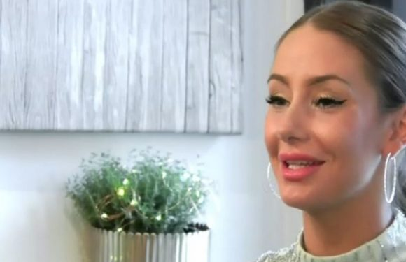"""First Dates hopeful reveals she thinks she was """"born into the wrong race"""""""