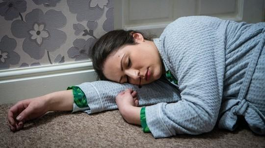 Coronation Street spoilers: Nicola Rubinstein rushed into hospital after horror fall puts her baby in danger