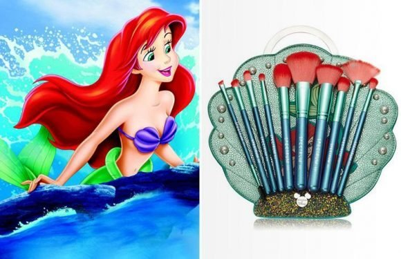 These Little Mermaid make-up brushes are the first in a whole Disney series and we want them all