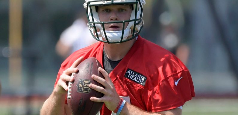 Sam Darnold shows flashes of promise as Jets start testing him