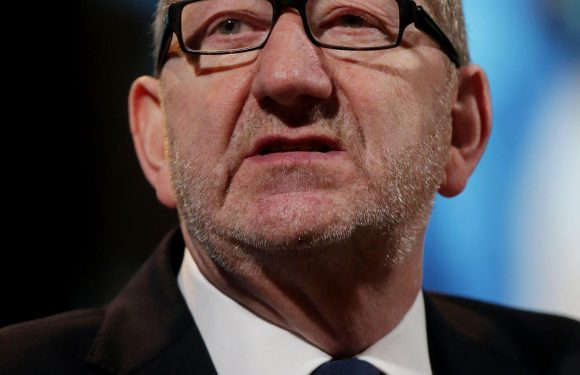 Jeremy Corbyn's union ally Len McCluskey urges Labour activists to oust 'stale' MPs