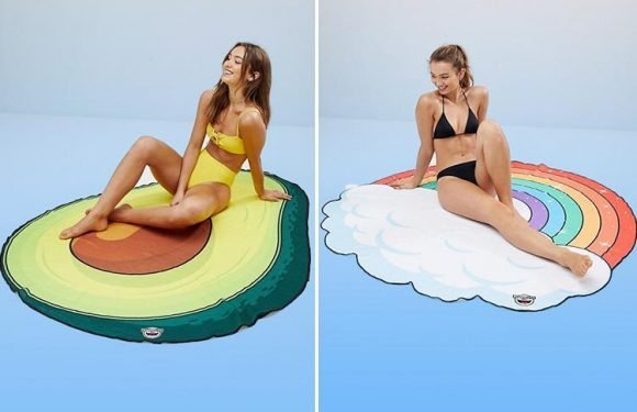Take your love of avocados (and rainbows) to the next level with these ASOS beach towels