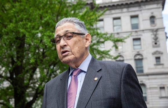 Sheldon Silver was 'broken man' at Shabbat services after conviction