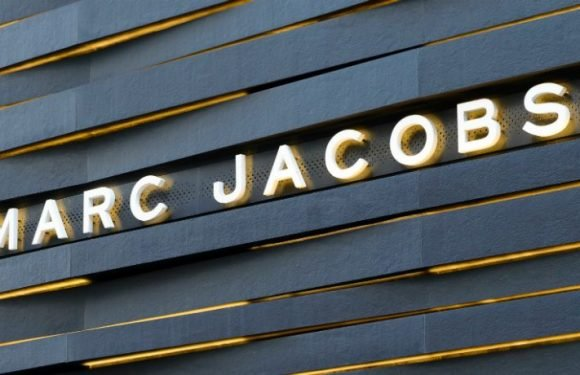 Sonic Youth Song 'Teenage Riot' Used In Marc Jacobs Ad, Fans Accuse Band Of 'Selling Out'