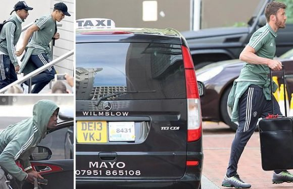 Manchester United stars arrive at hotel ahead of Premier League season finale, with Michael Carrick preparing for his last-ever match