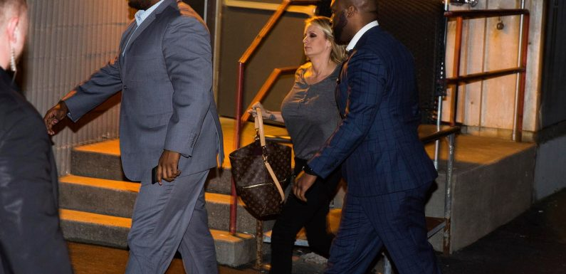 Stormy Daniels back at Long Island jiggle joint