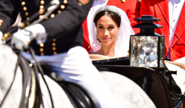 The first royal family portrait with Meghan Markle (& her mom) is here