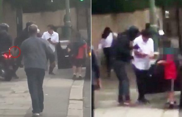 Bystander captures Michael McIntyre being attacked by moped muggers