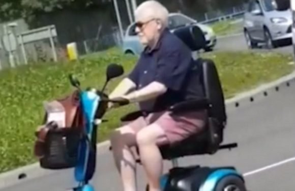 OAP driving mobility scooter along dual carriageway causes havoc