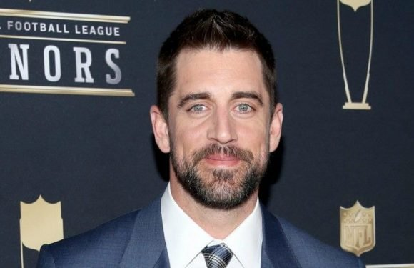 Aaron Rodgers, 15 Other Veteran Green Bay Packer Players, Excused From Minicamp